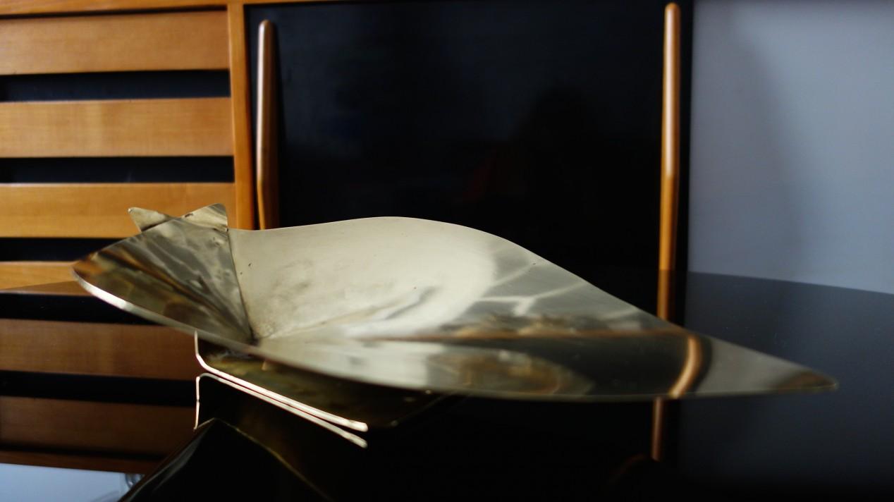 Vide poche laiton Mathieu Matégot, 1960.