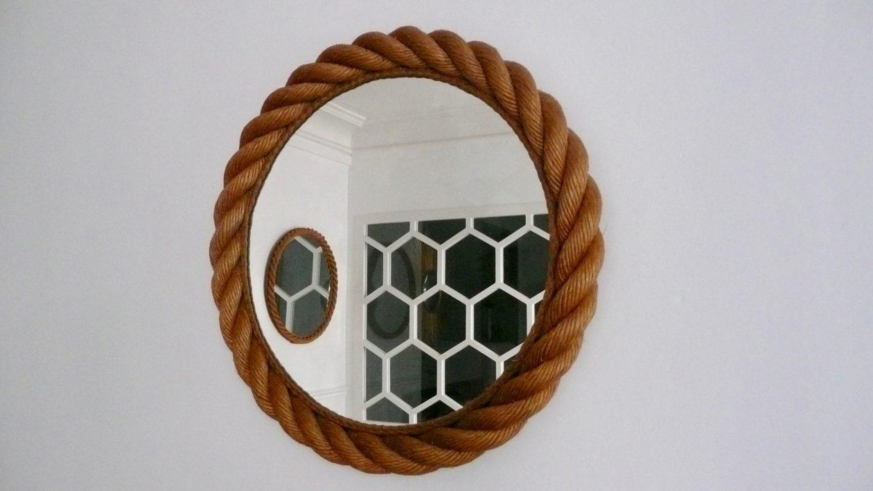 Miroir rond en corde, vers 1950. Rope mirror, circa 1950.
