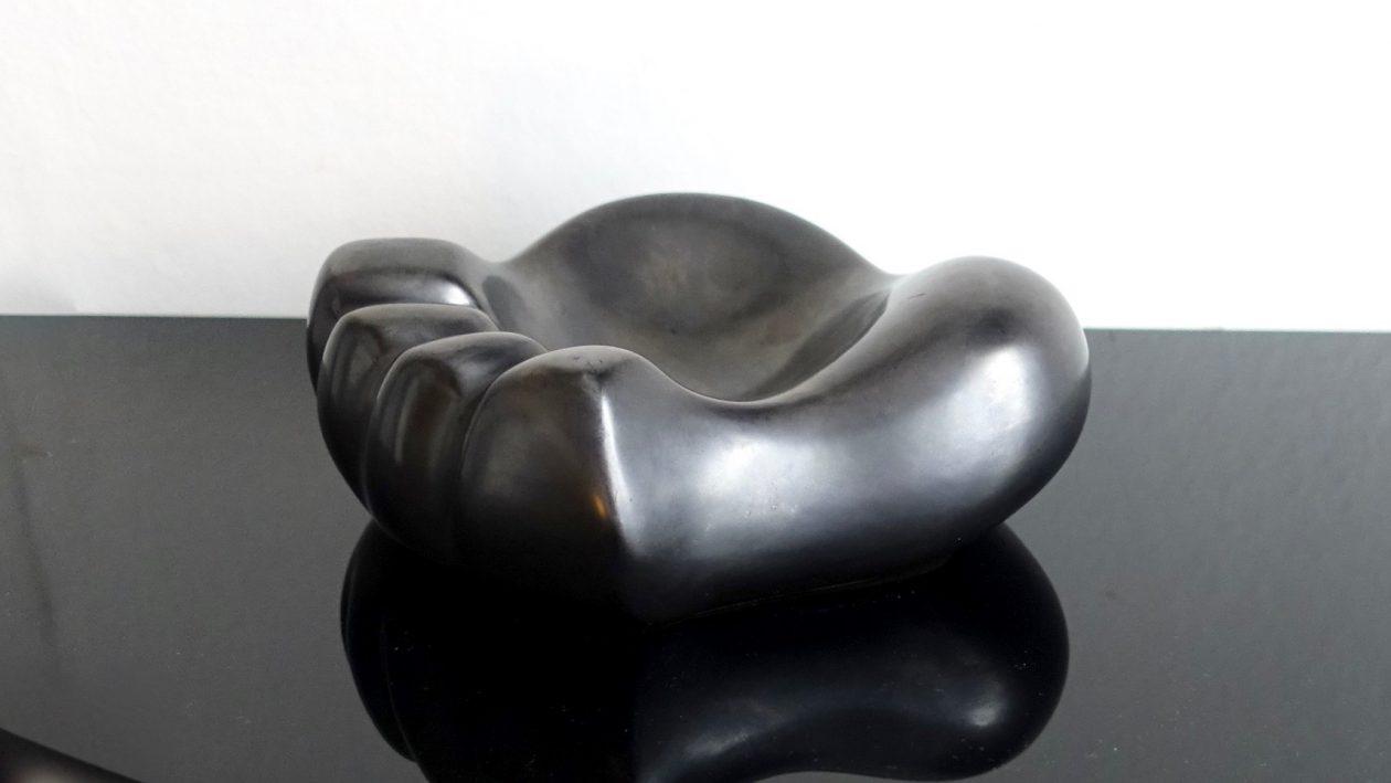 mathieu Mategot, console cap d'ail metal et opaline noire, 1950.