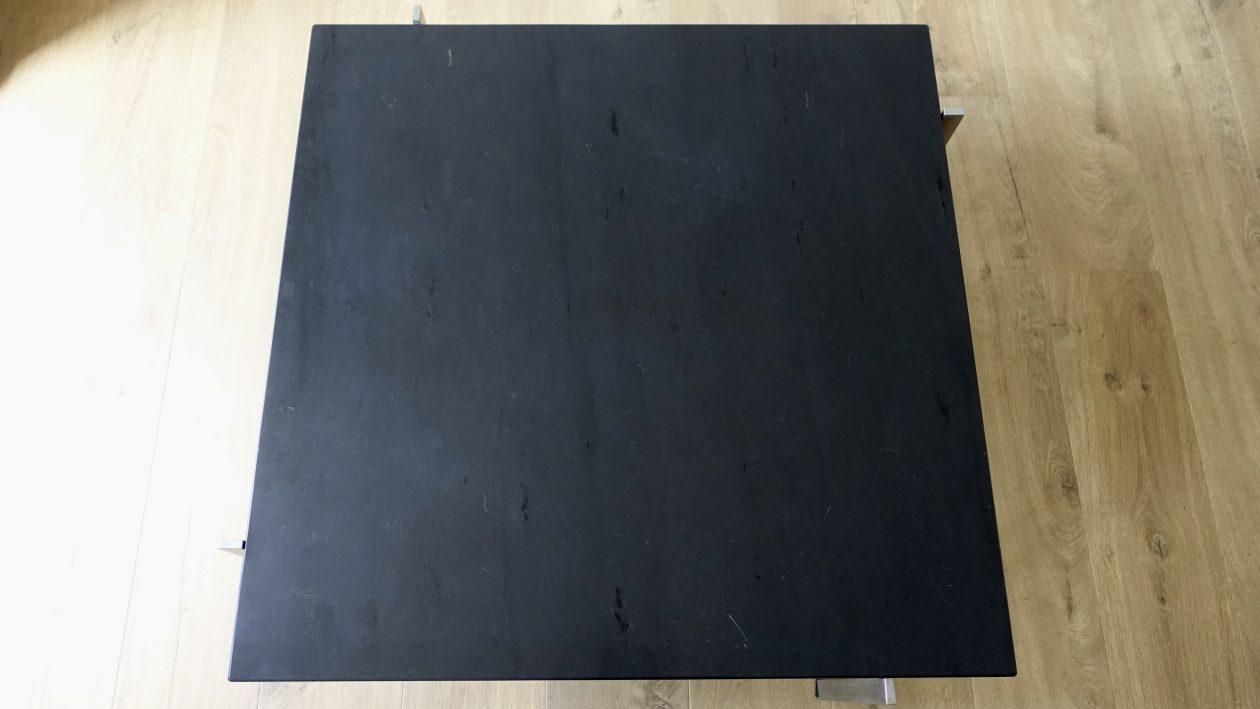 Poul Kjaerholm Edition Kold Christensen, Table basse PK61, année 1956, plateau carré en en marbre noir, posé sur une structure quadripode en acier inoxydable brossé, L: 80, P: 80, H: 32 cm