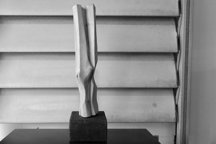 Sculpture en bois brut de Marc Lerude. H: 58cm x l: 14cm (bois)