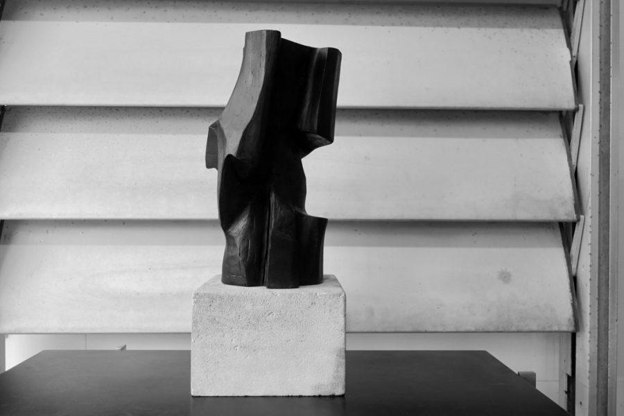 Sculpture en bois brut de Marc Lerude. H: 58cm x l: 14cm (bois) Prix sur demande