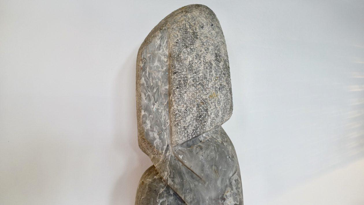 Janou Serée sculpture en marbre de 1978.
